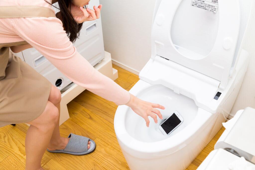 排水管のつまりを自分で対処する方法