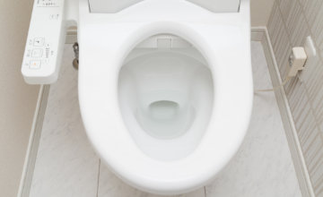 トイレのつまりで放置して様子を見る場合と対処すべき場合の見分け方は?